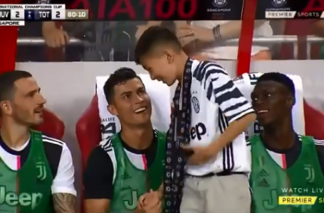 Ronaldo shares special moment with young fan